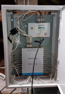 Rozvaděč STA s programovatelným zesilovačem DVB-T/T2/DAB+/VKV/FM a multipřepínačem