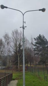 Tři IP kamery s WiFi na sloupu osvětlení