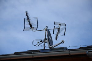 Anténní systém pro DVB-T/T2/S/S2/VKV/FM