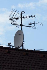 Anténní systém DVB-T/T2/S/S2/VKV/FM rodinného domu